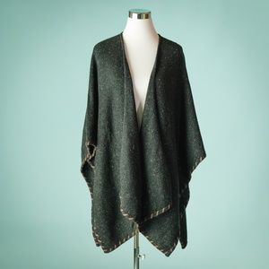 Orvis One Size Gray Donegal Wrap Ruana Poncho NWT